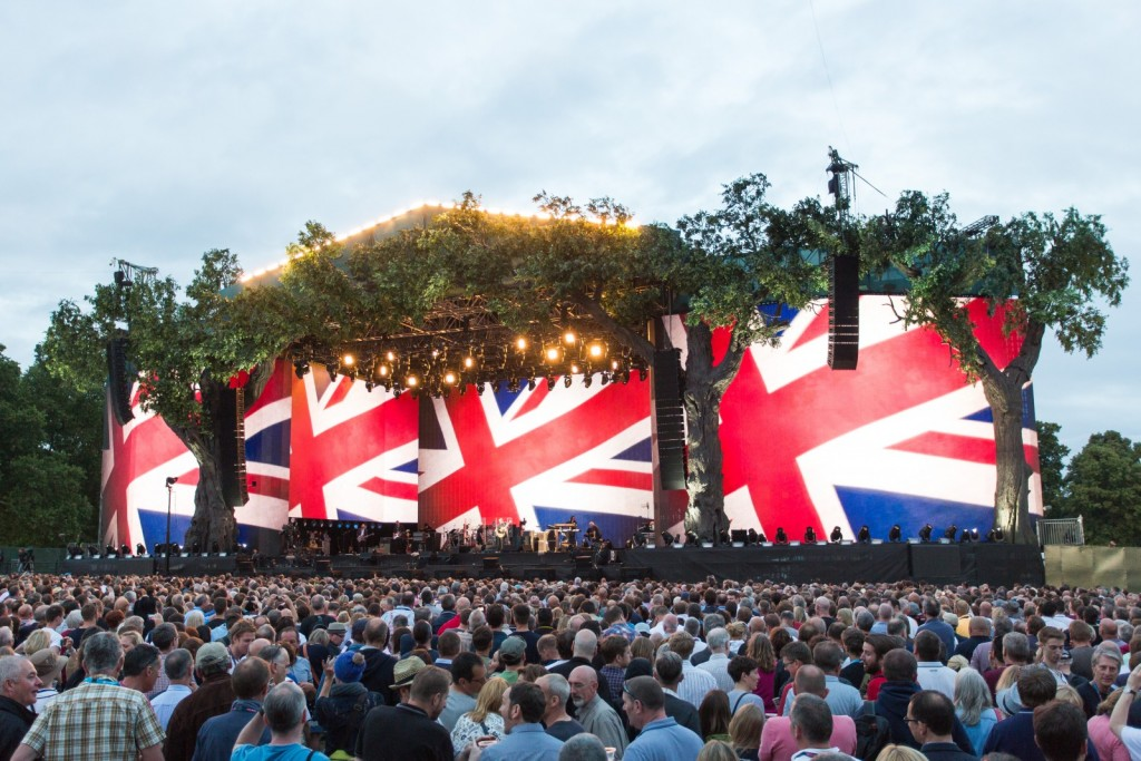 barclaycard us contact with British Summer Time At Hyde Park on C69577be 88f1 11e7 850e 2e80af156eae also Pre Owned 1894 Full Gold Sovereign Coin together with British Summer Time At Hyde Park besides Legoland Birmingham Barclaycard Arena Opening 13143496 together with Reading 2007.